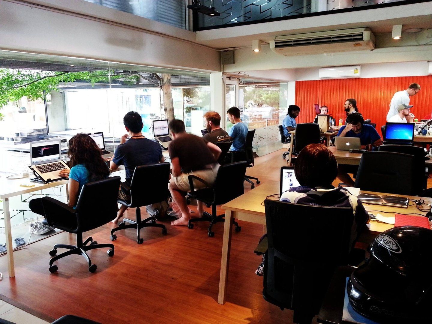 A Coworking Space in Chiang Mai, a popular Digital Nomad destination. (source: coworksquare.com)