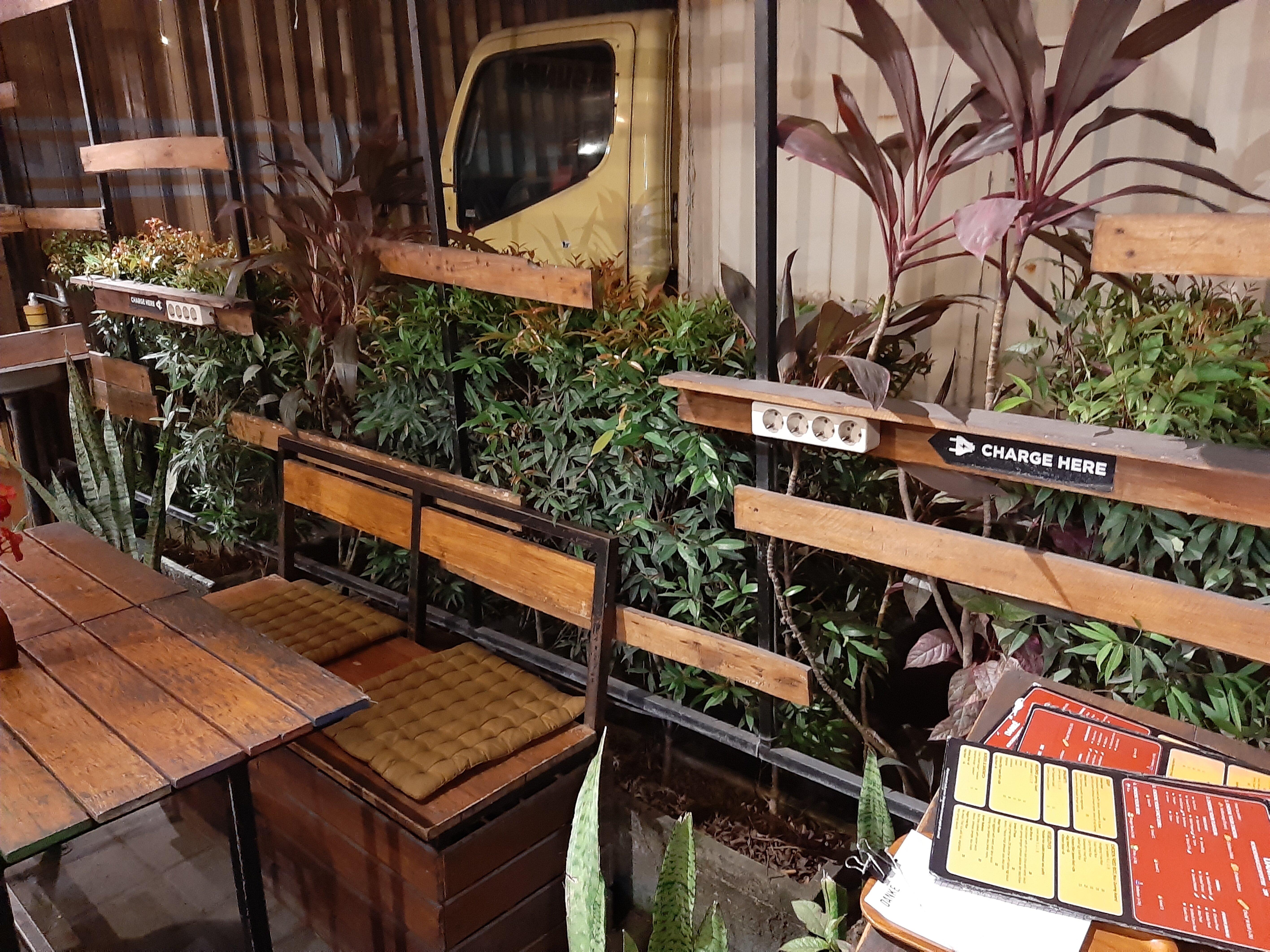 Plugs at Danke Cafe, Tabanan
