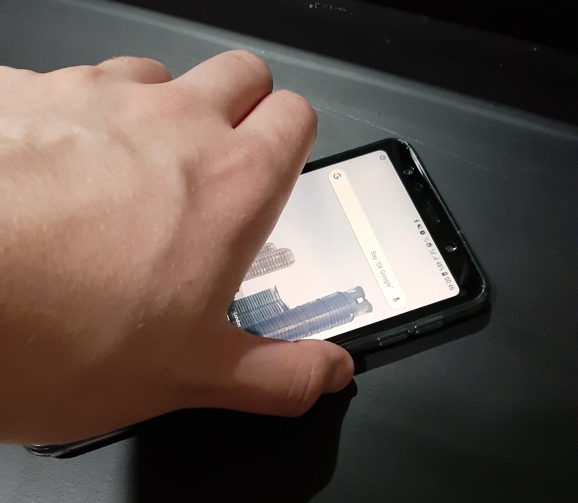 Samsung Galaxy A7 turned on by fingerprint.