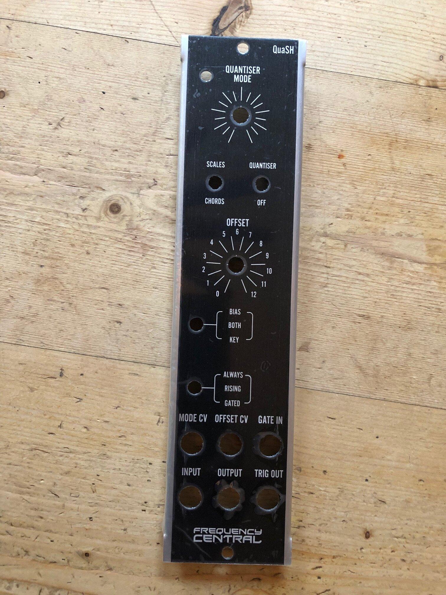 QuaSH MU module panel.